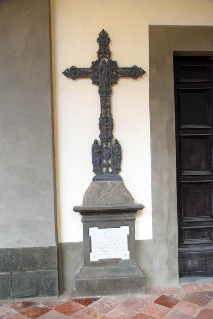 Croce dei Santi Per Giorgio arte internazionale a Massa pt