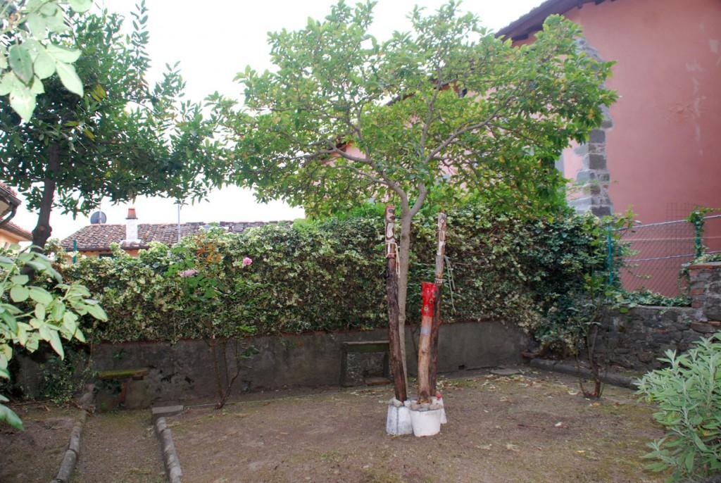 Filippo Biagioli giardino Per Giorgio arte internazionale a Massa pt