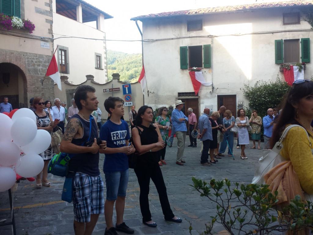 Inaugurazione Filippo Biagioli primo piano Per Giorgio arte internazionale a Massa pt