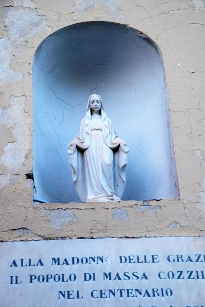 Nicchia Maddalena data per Madonna delle Grazie Per Giorgio arte internazionale a Massa pt