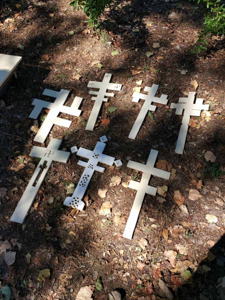 filippo biagioli croci uncinate in legno swastika cross european tribal ritual art