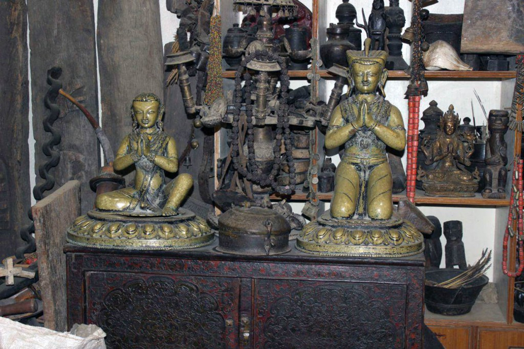 blue moon curio shop kathmandu nepal shiva bhandari gallery himalayan art 1