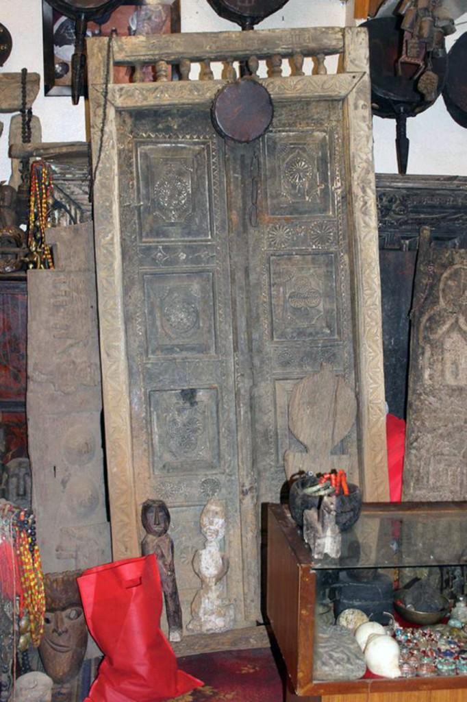 blue moon curio shop kathmandu nepal shiva bhandari gallery himalayan art 2