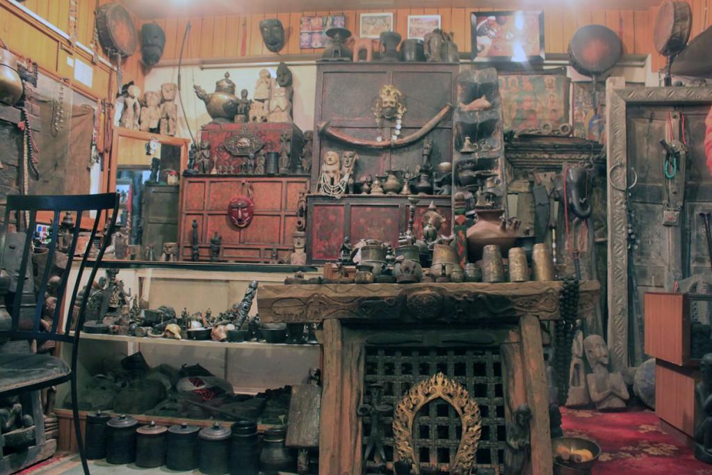 blue moon curio shop kathmandu nepal shiva bhandari gallery himalayan art 3