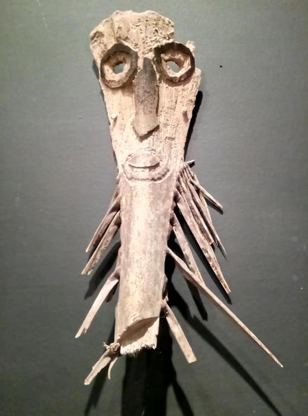 filippo biagioli maschera in legno di palma mediterranea mostra onzo 1