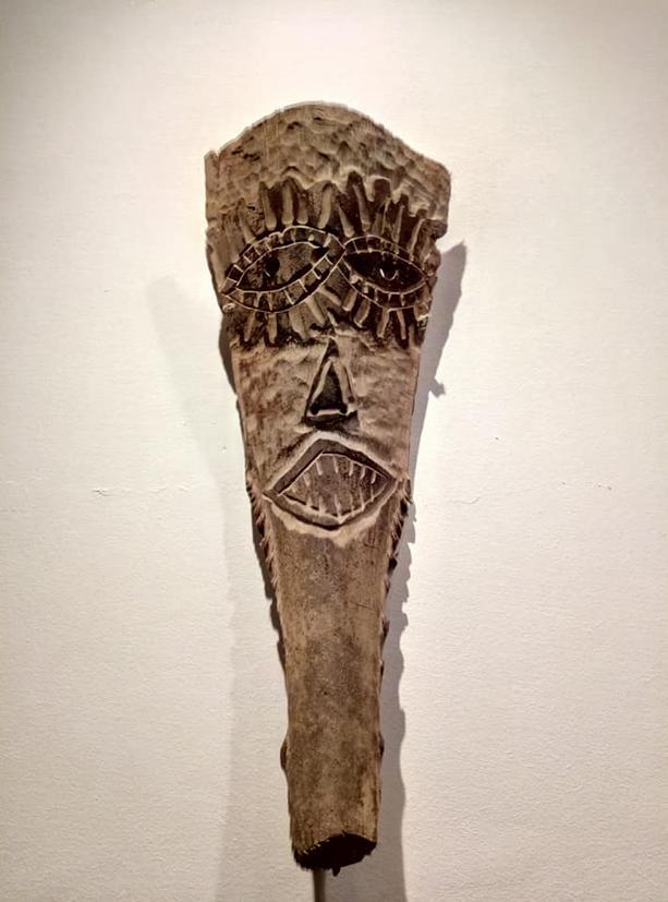 filippo biagioli maschera in legno di palma mediterranea mostra onzo 4