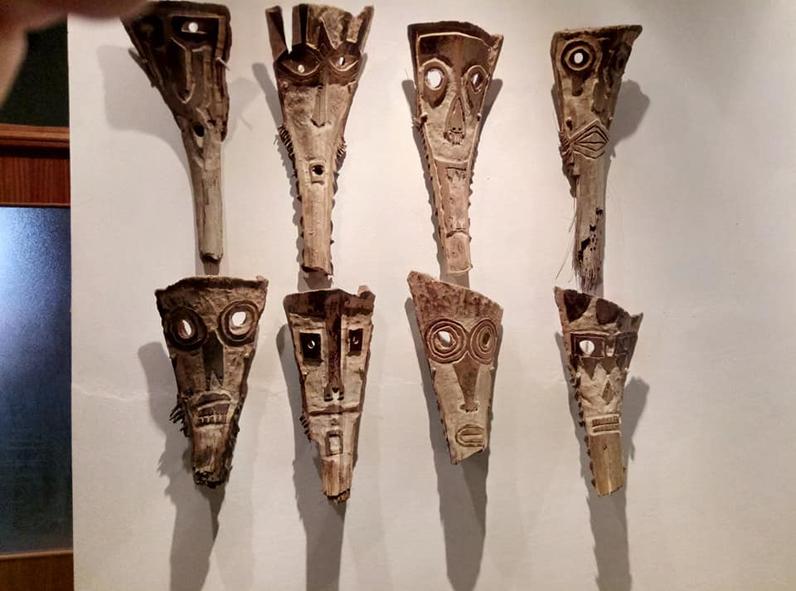 filippo biagioli maschera in legno di palma mediterranea mostra onzo 7