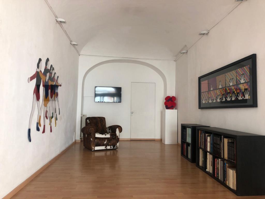 Galleria ViadeiMercati Lodola Boetti