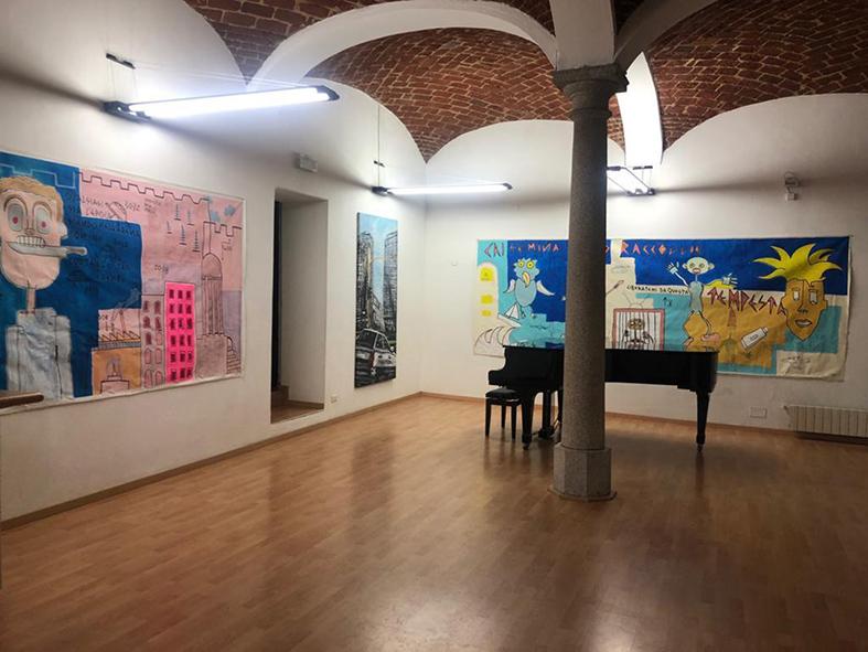 Collettiva grandi formati alla galleria ViadeiMercati di Vercelli