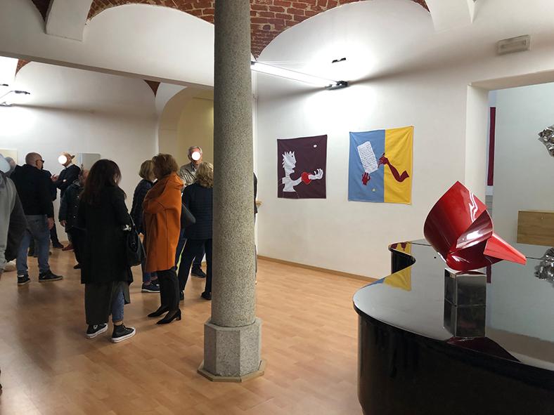 Foto da SPA mostra galleria ViadeiMercati con Filippo Biagioli, Boetti, Lodola, Ronda, Craking Art, Xhixha, Marchegiani, Nucara…