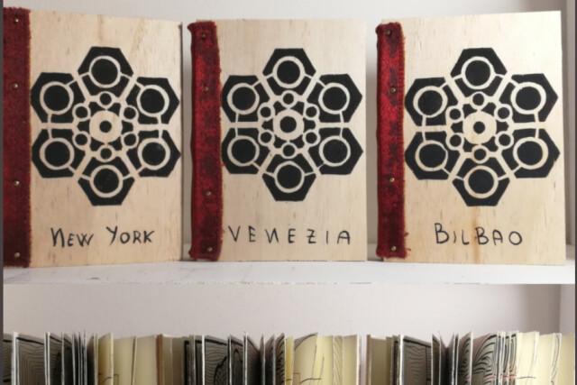 Auguri di fine anno e un mio libro fatto a mano nella biblioteca del Museo Guggenheim di Venezia